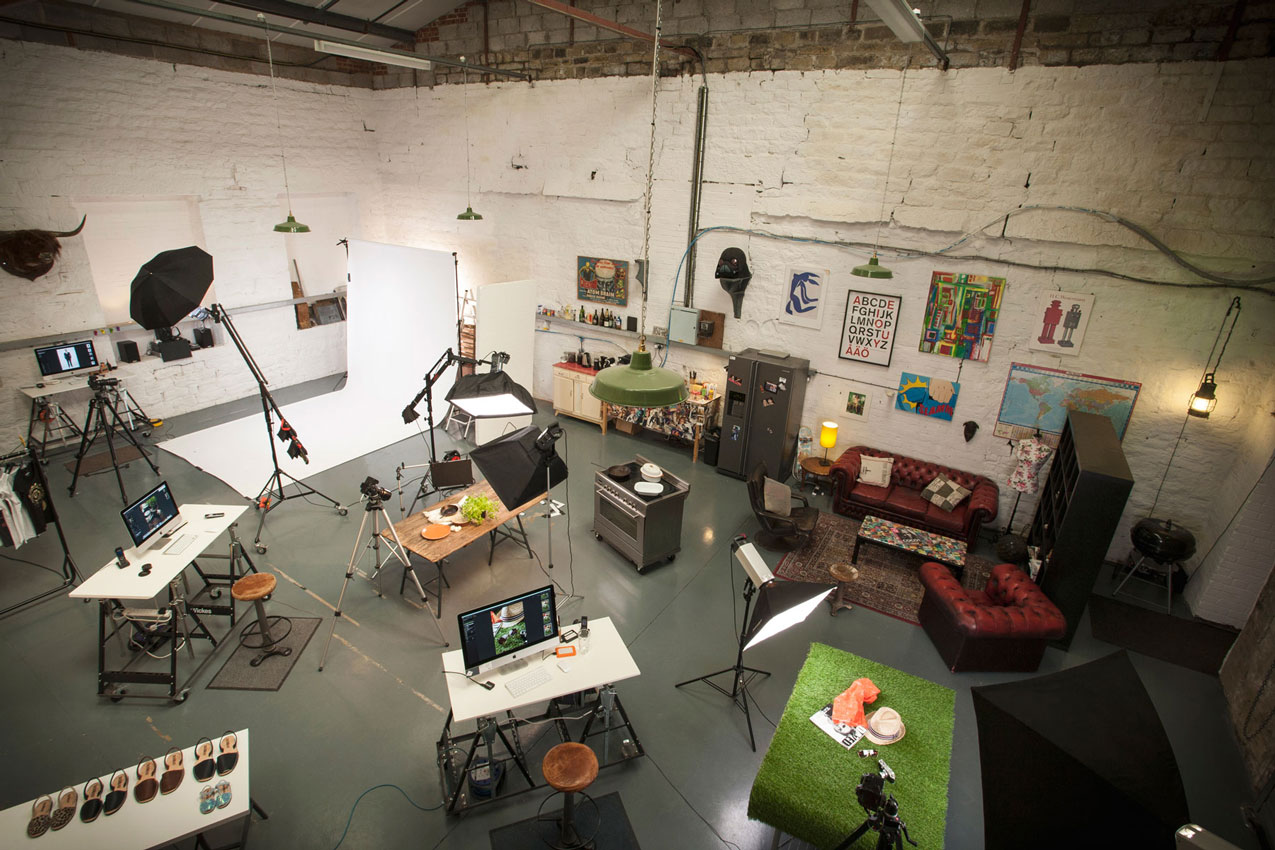 overview of box photographic studio space
